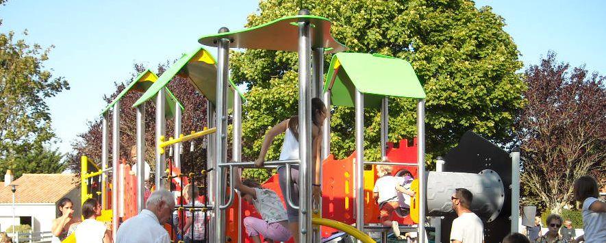 Aire de jeux rue Pasteur - © Mairie de Dompierre sur Mer
